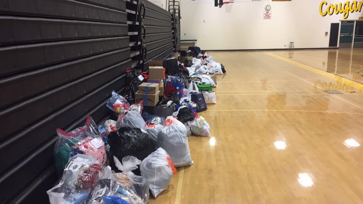 Student collects clothes for victims of Thomas Fire