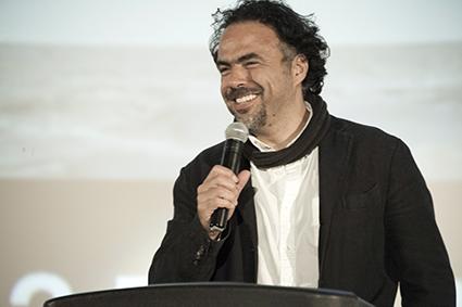 Guest Speaker Alejandro Iñárritu (Babel) addresses the crowd.