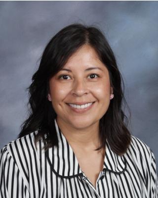 Nashelli  Flores